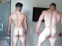 BUCK Carter BOTTOMS: First-Time With Julian Rodriguez, Added: 2018-01-12, Duration: 2:45